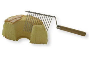 Angelfood Cake Cutter with Wooden Handle