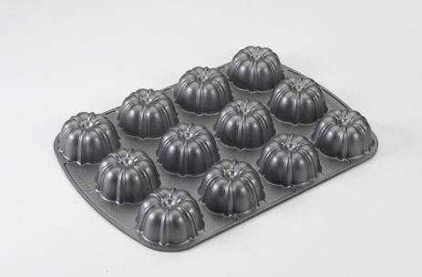 12 Cup Cupcake Nonstick Bundt Pan