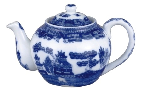 6 Cup Blue Willow Teapot with China Infuser